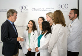 Senator Roy Blunt with DO students